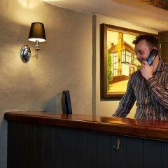 Отель Bull Hotel Великобритания, Халстед - отзывы, цены и фото номеров - забронировать отель Bull Hotel онлайн интерьер отеля