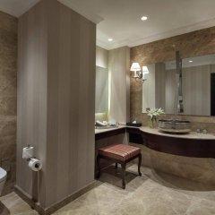 Hilton Istanbul Bosphorus Турция, Стамбул - 5 отзывов об отеле, цены и фото номеров - забронировать отель Hilton Istanbul Bosphorus онлайн ванная фото 2