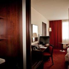 Отель Golden Tulip Warsaw Centre Польша, Варшава - 14 отзывов об отеле, цены и фото номеров - забронировать отель Golden Tulip Warsaw Centre онлайн удобства в номере фото 2