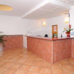 Отель Hostal Montaña интерьер отеля