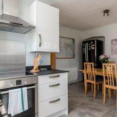 Отель 3 Bedroom House In Brighton With Garden Брайтон в номере