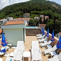 Отель Regina Elena Черногория, Будва - отзывы, цены и фото номеров - забронировать отель Regina Elena онлайн бассейн