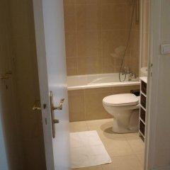 Отель Quartier Latin 1 Apartment Франция, Париж - отзывы, цены и фото номеров - забронировать отель Quartier Latin 1 Apartment онлайн ванная