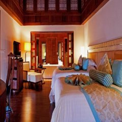 Отель Centara Grand Beach Resort Phuket Таиланд, Карон-Бич - 5 отзывов об отеле, цены и фото номеров - забронировать отель Centara Grand Beach Resort Phuket онлайн комната для гостей фото 2