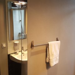 Отель Café Hôtel de lAvenir ванная