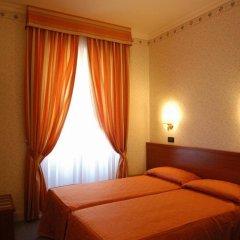 Отель Dina комната для гостей