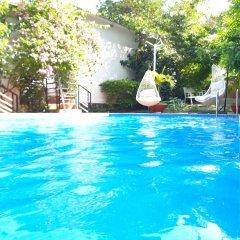 Отель Hanh Ngoc Bungalow бассейн фото 2