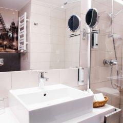 Отель Q Hotel Plus Wroclaw Польша, Вроцлав - 1 отзыв об отеле, цены и фото номеров - забронировать отель Q Hotel Plus Wroclaw онлайн ванная фото 2