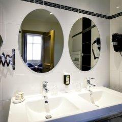 Отель Le Phénix Hôtel Франция, Лион - отзывы, цены и фото номеров - забронировать отель Le Phénix Hôtel онлайн ванная фото 2