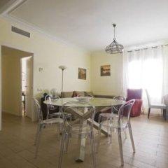 Отель Gran Via Apartment Испания, Барселона - отзывы, цены и фото номеров - забронировать отель Gran Via Apartment онлайн комната для гостей фото 2