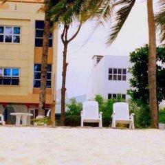 Отель Transit Beach View Hotel Мальдивы, Мале - отзывы, цены и фото номеров - забронировать отель Transit Beach View Hotel онлайн пляж