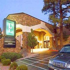 Отель Embassy Suites Flagstaff парковка