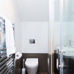 Отель Lovely 2BR flat in West London ванная