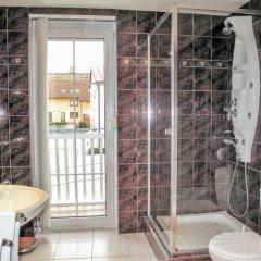 Отель U jezera Чехия, Пльзень - отзывы, цены и фото номеров - забронировать отель U jezera онлайн ванная