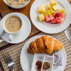 Отель Villa Deux Rivieres Лаос, Луангпхабанг - отзывы, цены и фото номеров - забронировать отель Villa Deux Rivieres онлайн питание фото 3