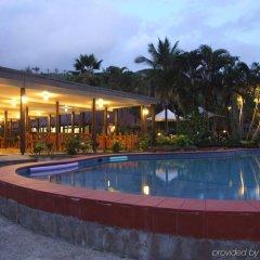 Отель Geckos Resort бассейн