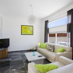 Отель Paradise Cove Luxurious Beach Villas Кипр, Пафос - отзывы, цены и фото номеров - забронировать отель Paradise Cove Luxurious Beach Villas онлайн комната для гостей фото 14