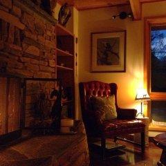 Отель Mountain River Lodge интерьер отеля