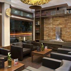 Flemings Hotel Frankfurt Main-Riverside гостиничный бар