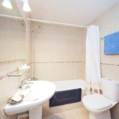 Отель Aquamarina - One Bedroom ванная