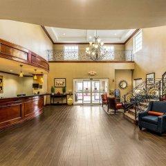 Отель Comfort Suites Galveston США, Галвестон - отзывы, цены и фото номеров - забронировать отель Comfort Suites Galveston онлайн интерьер отеля фото 3