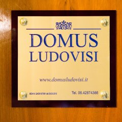 Отель Domus Ludovisi - Daplace Collection бассейн