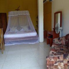 Отель Kirinda Beach Resort в номере