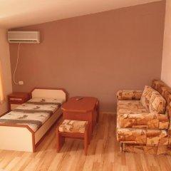 Отель Dobrevi Guest House Болгария, Бургас - отзывы, цены и фото номеров - забронировать отель Dobrevi Guest House онлайн комната для гостей