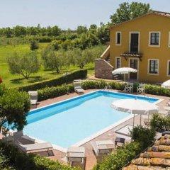 Отель Residence Casale Etrusco Италия, Кастаньето-Кардуччи - отзывы, цены и фото номеров - забронировать отель Residence Casale Etrusco онлайн бассейн