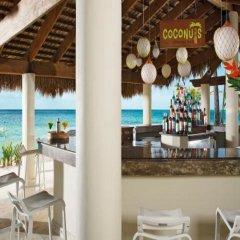 Отель Impressive Resort & Spa гостиничный бар