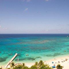 Отель Skymiles Beach Suite At Montego Bay Club Resort Ямайка, Монтего-Бей - отзывы, цены и фото номеров - забронировать отель Skymiles Beach Suite At Montego Bay Club Resort онлайн пляж фото 2