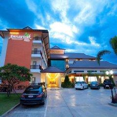 Amnauysuk Hotel парковка