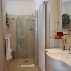 Hotel Zeus Римини ванная