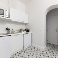 Отель Daumier - New 2 Bdrs Flat near la Seine Париж в номере