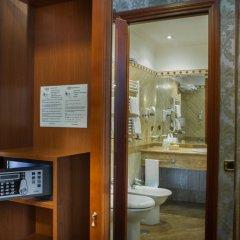 Отель BARBERINI Рим сейф в номере