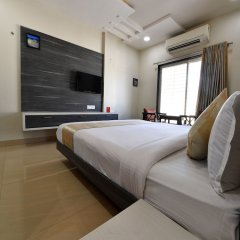 OYO 4155 Hotel The Sudesh сейф в номере
