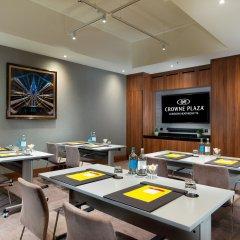 Отель Crowne Plaza London Heathrow T4 Великобритания, Лондон - отзывы, цены и фото номеров - забронировать отель Crowne Plaza London Heathrow T4 онлайн помещение для мероприятий фото 2