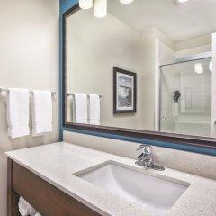Отель Rodeway Inn & Suites Niagara Falls США, Ниагара-Фолс - отзывы, цены и фото номеров - забронировать отель Rodeway Inn & Suites Niagara Falls онлайн ванная