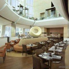 Отель Hilton Capital Grand Abu Dhabi ОАЭ, Абу-Даби - отзывы, цены и фото номеров - забронировать отель Hilton Capital Grand Abu Dhabi онлайн питание