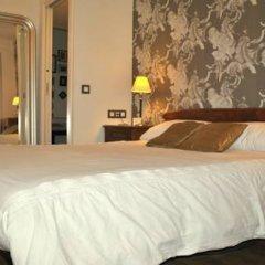 Отель Luxury Muntaner Plaza Барселона сейф в номере