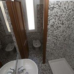 Отель Italy Inn Италия, Генуя - отзывы, цены и фото номеров - забронировать отель Italy Inn онлайн ванная