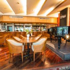 Tai-Pan Hotel гостиничный бар
