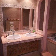 Villa Zayna in Tunis, Tunisia from 383$, photos, reviews - zenhotels.com bathroom photo 4