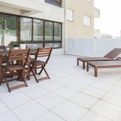 Отель Liiiving In Porto - Boavista Sunny Terrace Порту бассейн