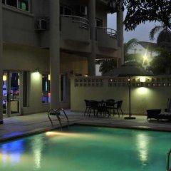 Отель Park Inn by Radisson, Lagos Victoria Island бассейн фото 2