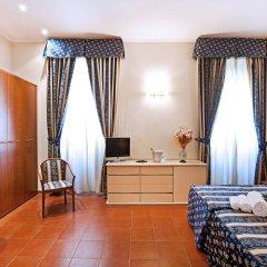 Отель Augustea сейф в номере