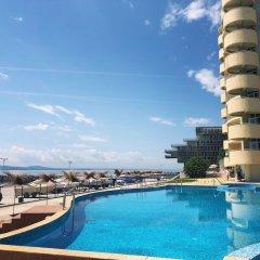 Отель Interhotel Pomorie Болгария, Поморие - 2 отзыва об отеле, цены и фото номеров - забронировать отель Interhotel Pomorie онлайн бассейн фото 3