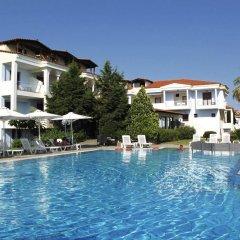 Отель Acrotel Lily Ann Village бассейн