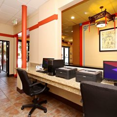 Отель Best Western Plus Dragon Gate Inn США, Лос-Анджелес - отзывы, цены и фото номеров - забронировать отель Best Western Plus Dragon Gate Inn онлайн интерьер отеля