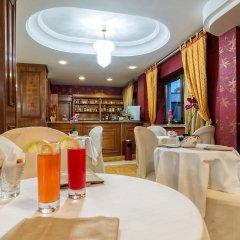 Отель Ristorante Donato Кальвиццано гостиничный бар